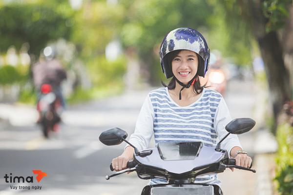 Vay tiền theo đăng ký xe máy